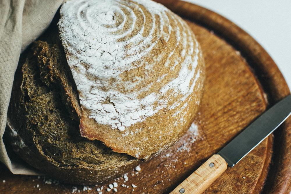 spelt walnut bread 21-1.jpg