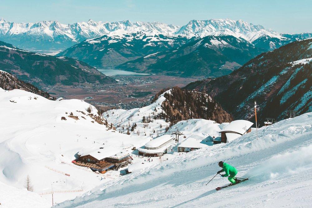 skier pister alpin.jpeg