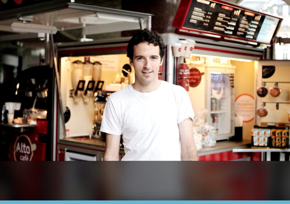 """""""Alto Café ricercava une soluzione de sistema cassa che quadrava con il nostro modo di fare: leggera, compatta e innovativa. Lo strumento agile e potente d'iKentoo ha superato le aspettative."""""""