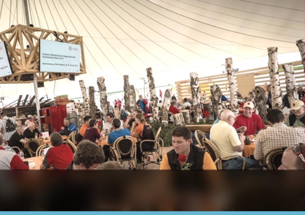 « La prise de commandes à table et les impressions multi-sites on considérablement amélioré notre organisation et notre productivité pour servir les 40'000 repas durant ce évènement. »