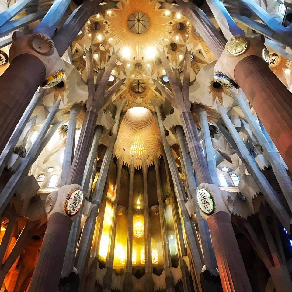 Looking up inside Le Segrada Familia