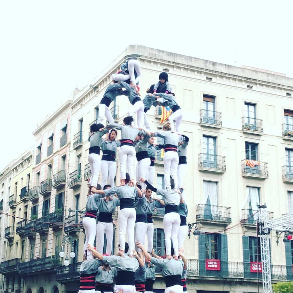 Castelling team building a human tower