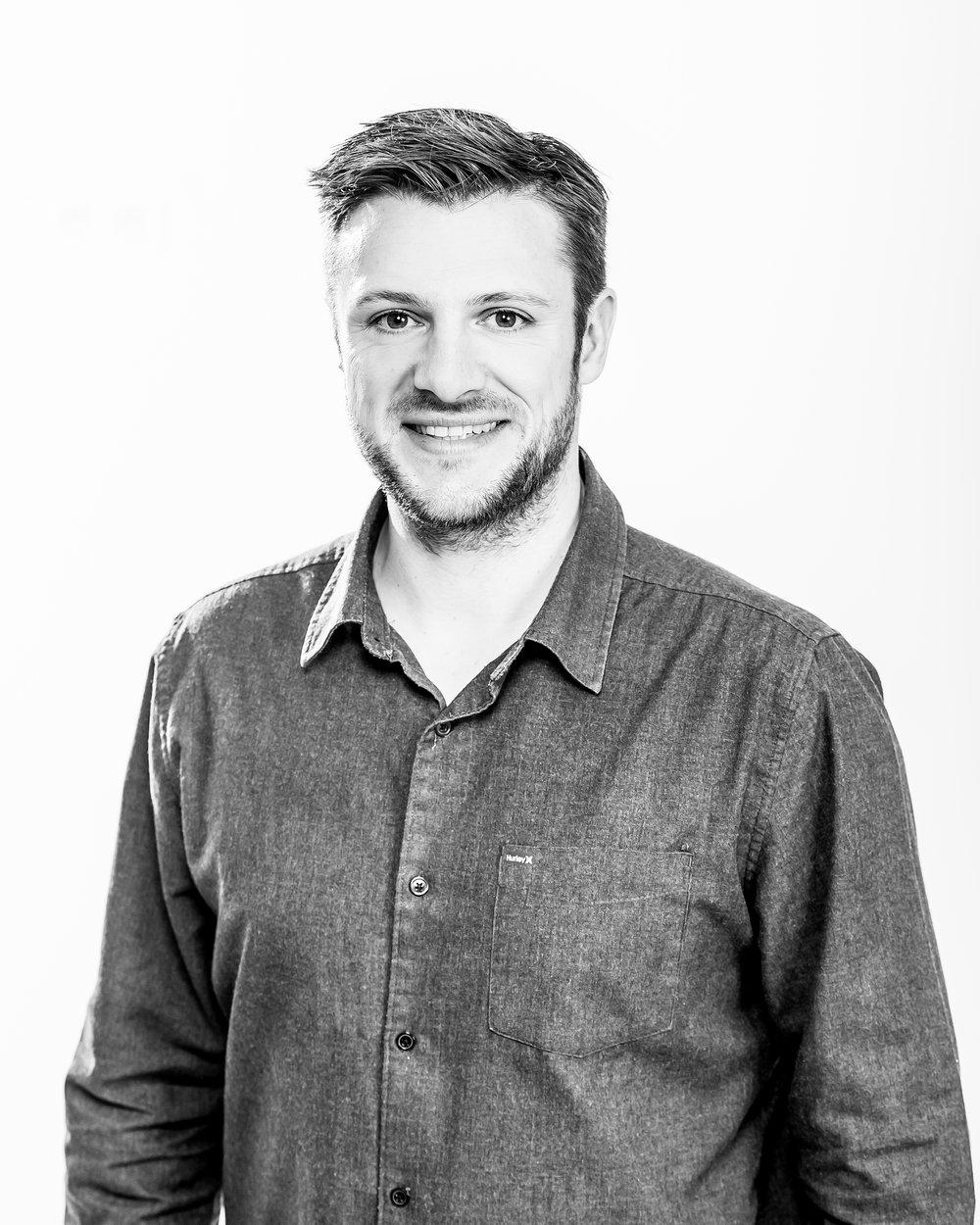 Thomas Blairon - Responsable de la société. Photographe et caméraman depuis 2009 et pilote depuis 2012. Possède sa licence Classe 1a&b et Classe 2 et est passionné de technologies!