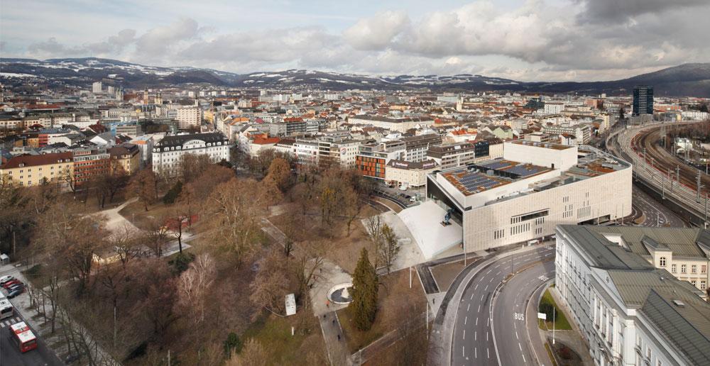 Musiktheater Linz, Terry Pawson