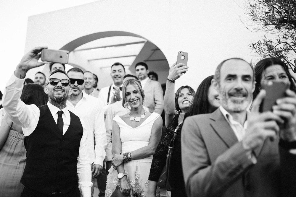 - Fotografía de familiares, amigos y de pareja, en las que impera la luz propia de cada uno. Una luz convertida en un recuerdo para siempre.