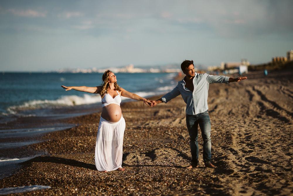 Fotografía embarazada playa valencia07.jpg