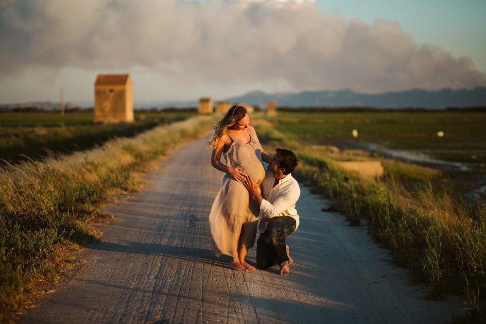 Fotografía embarazada playa valencia09.jpg