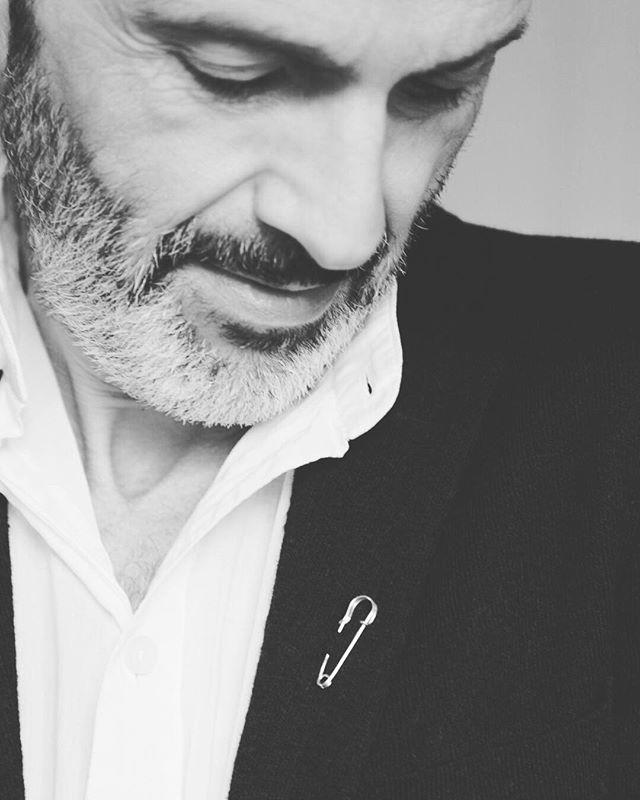 Laurent Rodriguez pour 0.88 ✨ - - - - - #088 #088jewelry #designbyPhilippeairaud #laurentrodriguez #chloe #088pin #18k #gold #handmadeinfrance #handmadejewelry #craftmanship #savoirfaire #artisanat #paris #france