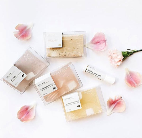 High quality, plant based bath/body products -moisturizing and smell amazing - Yuzu SoapUSE CODE:PALMCYBERfor 22% OFF ALL ORDERS, ENDS 11/28/17 MIDNIGHT Popular: Lavender Sage Bath Bomb Cubes($16)