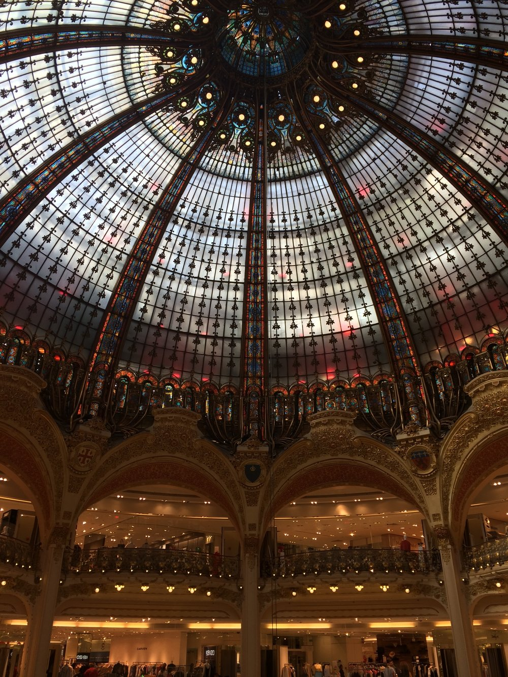 A palace or a store? Galeries Lafayette ladies and gents