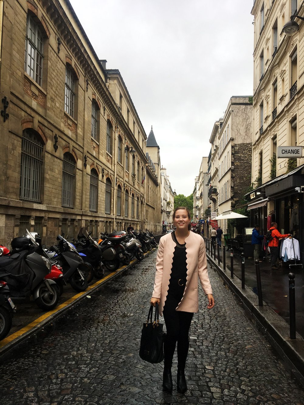Pretty in Pink Monmartre.jpg