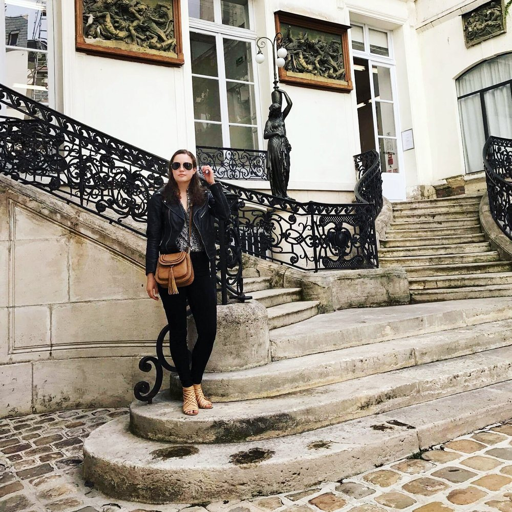 Cady Quotidienne Brunch Babes Outfit Stairs.JPG