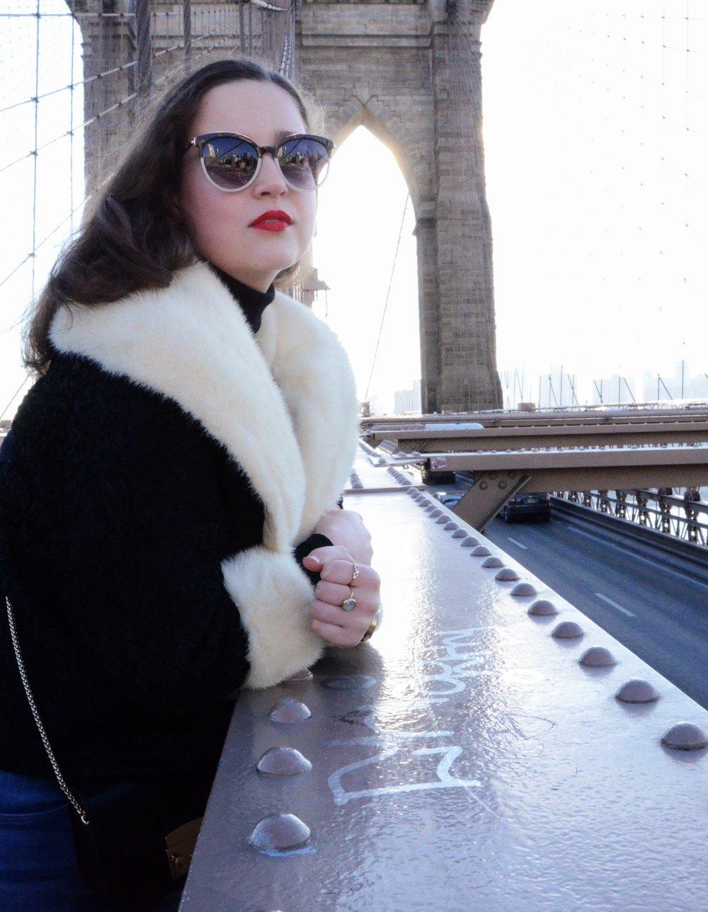 Traveller's Dilemma Cady Quotidienne Brooklyn Bridge.jpg