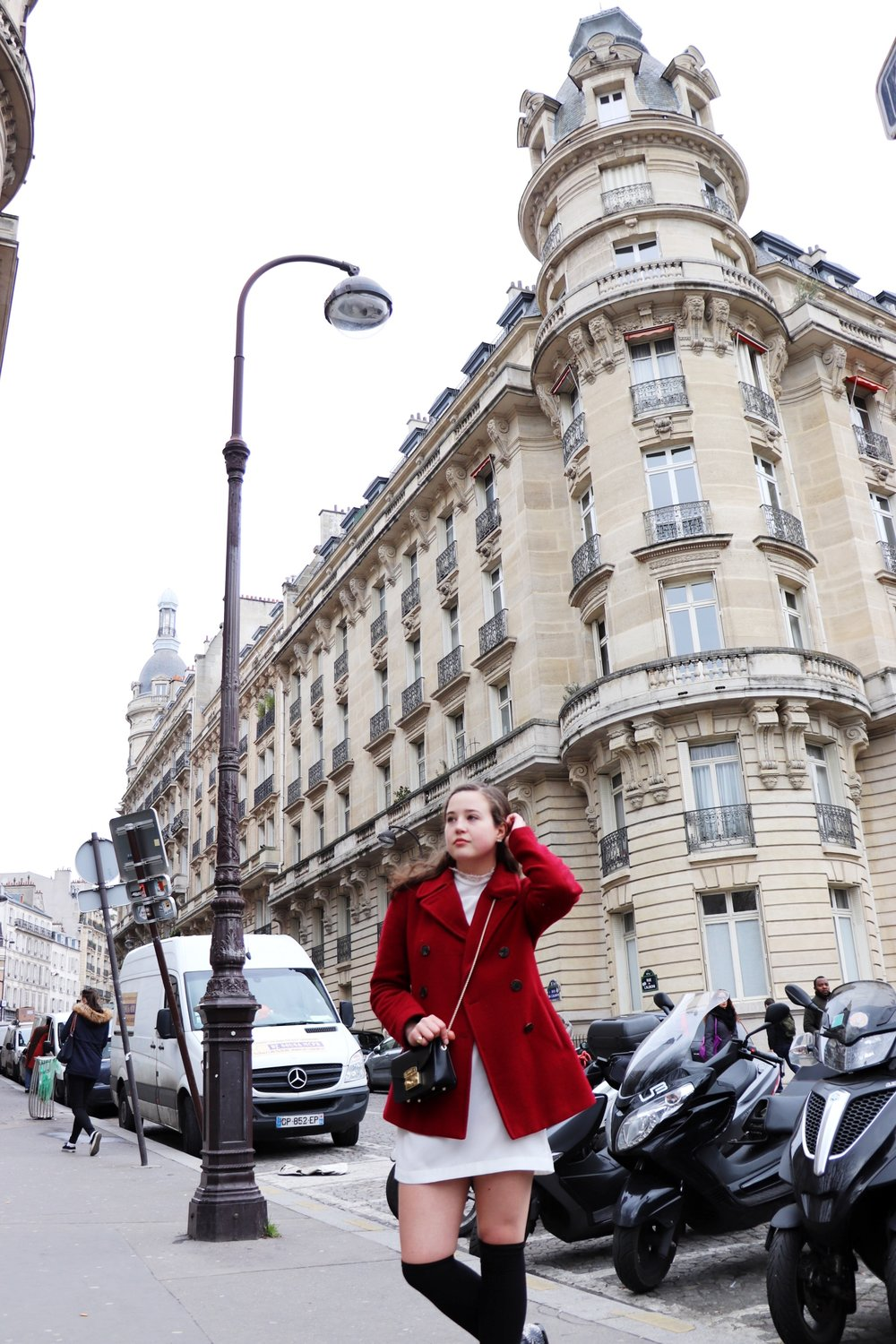 Metro Passy French Outfit  The Parisienne Guide | Cady Quotidienne .JPG