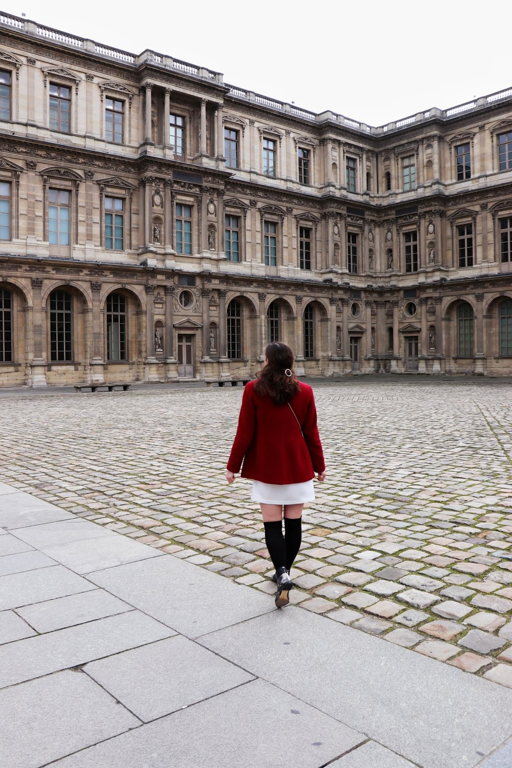 Louvre Courtyard The Parisienne Guide | Cady Quotidienne.JPG