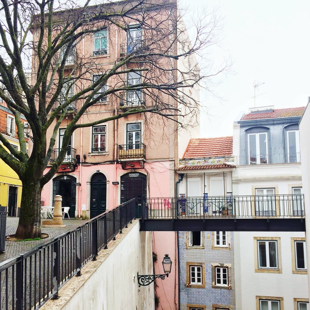 Pastel Houses | Lisbon City Break Cady Quotidienne .JPG