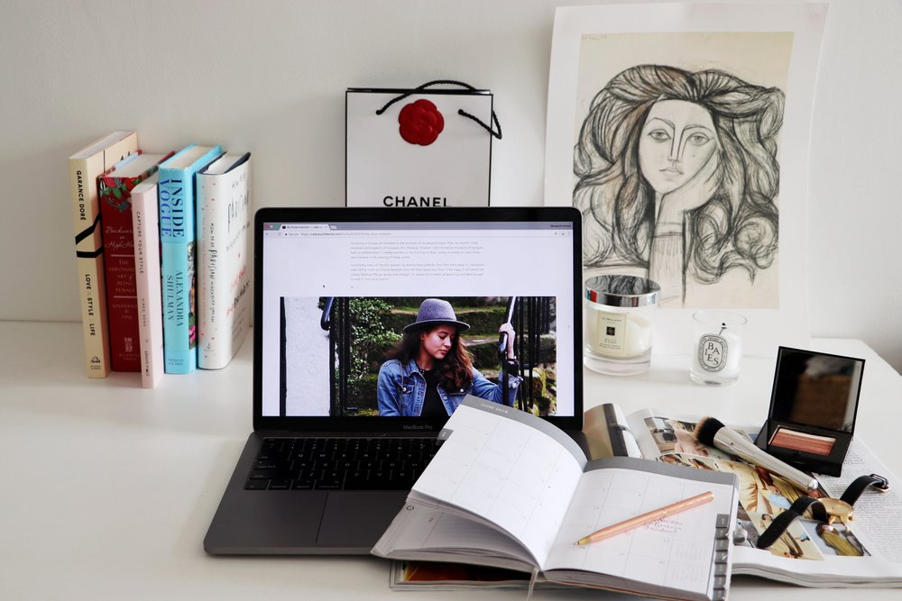Chic Colorful Desk | My Love Hate Relationship With Girl Boss Cady Quotidienne.jpg