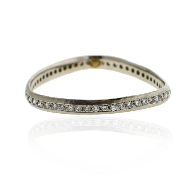14k white gold and diamond triangular eternity bracelet.jpg