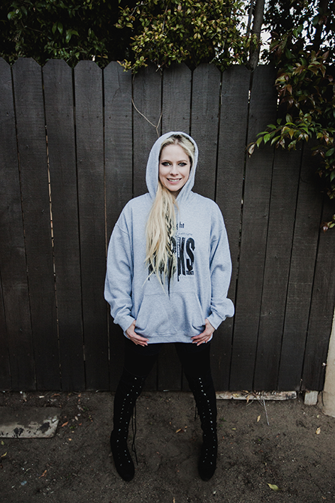avril-hoodie-2-472.png