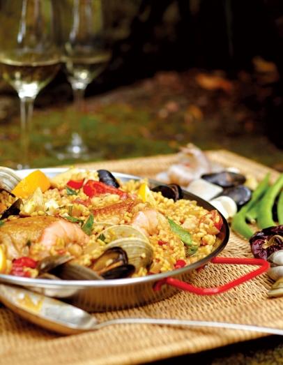 paella-man-gerard-nebesky-1.jpg
