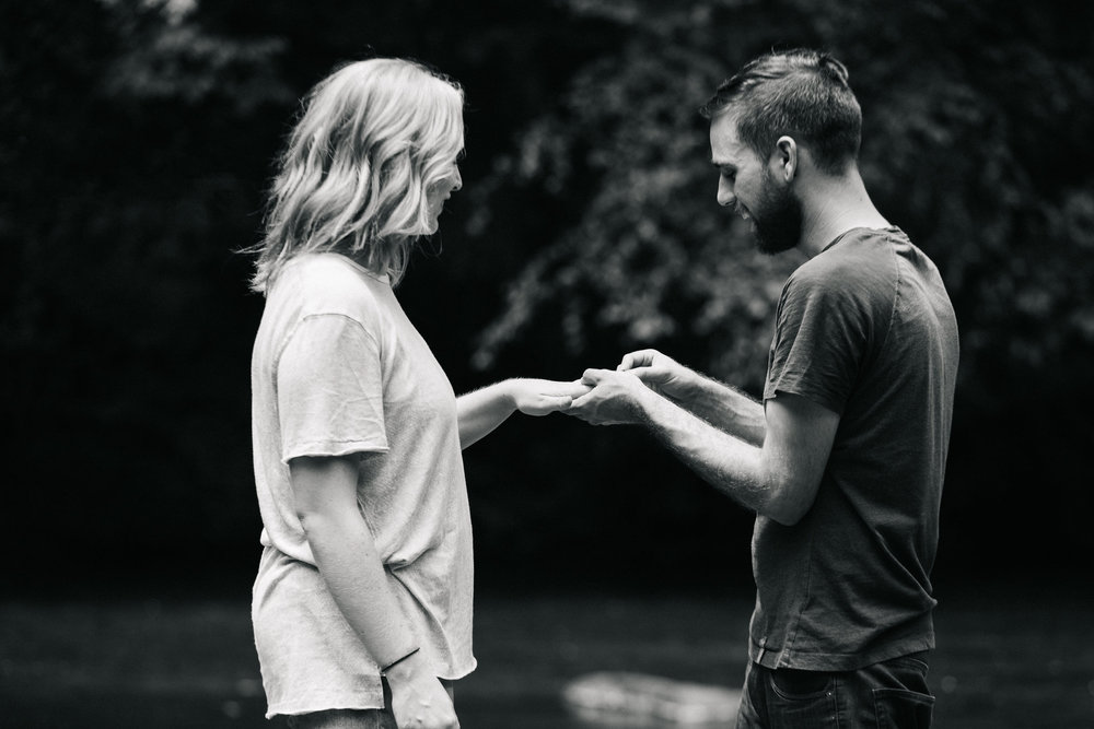 proposal-couple-travel-beauty.jpg