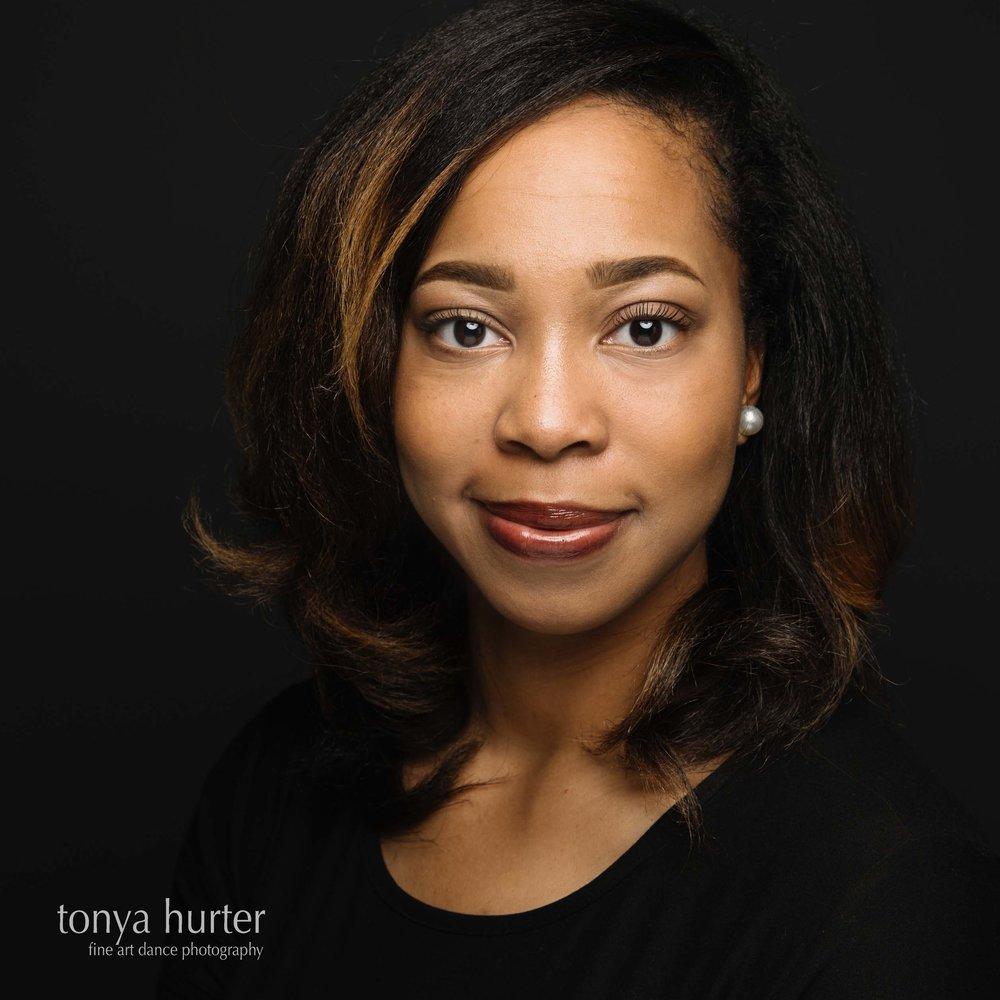 Tonya-Hurter-Photography-Dance-Headshot-Moore.jpg