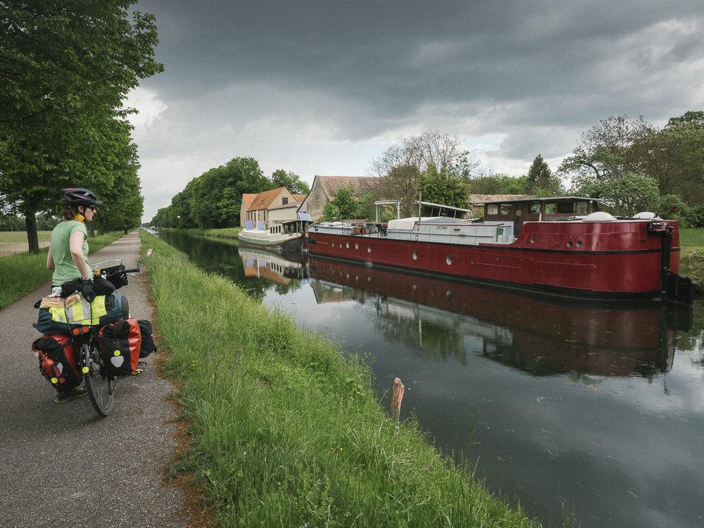 Immer noch am Kanal