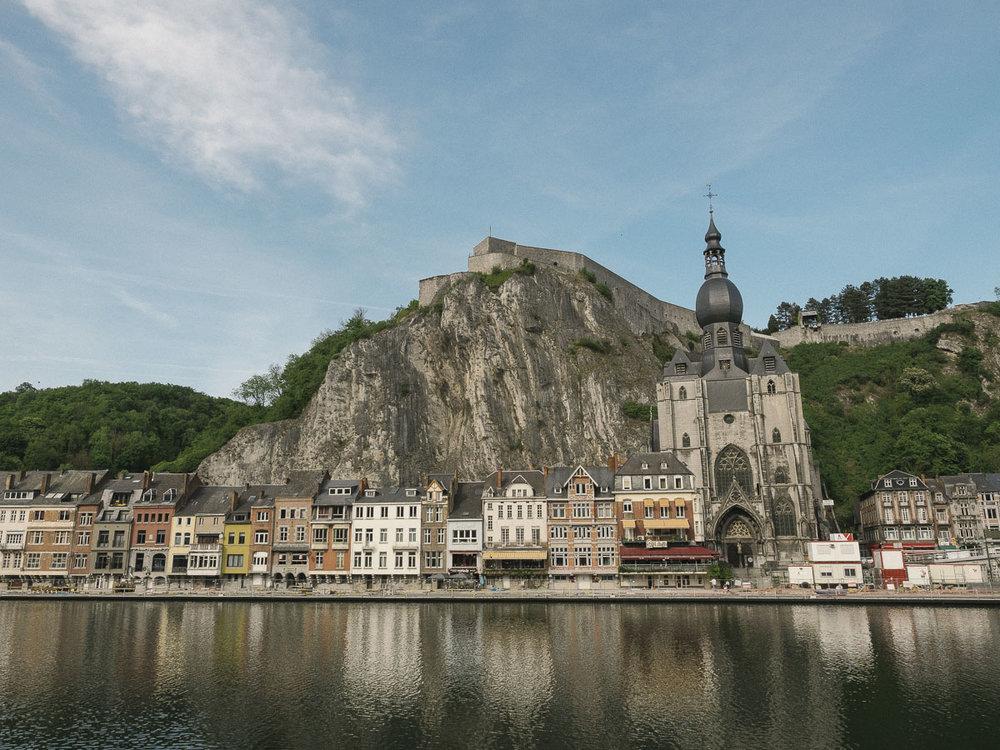 Blick über die Meuse auf Dinant