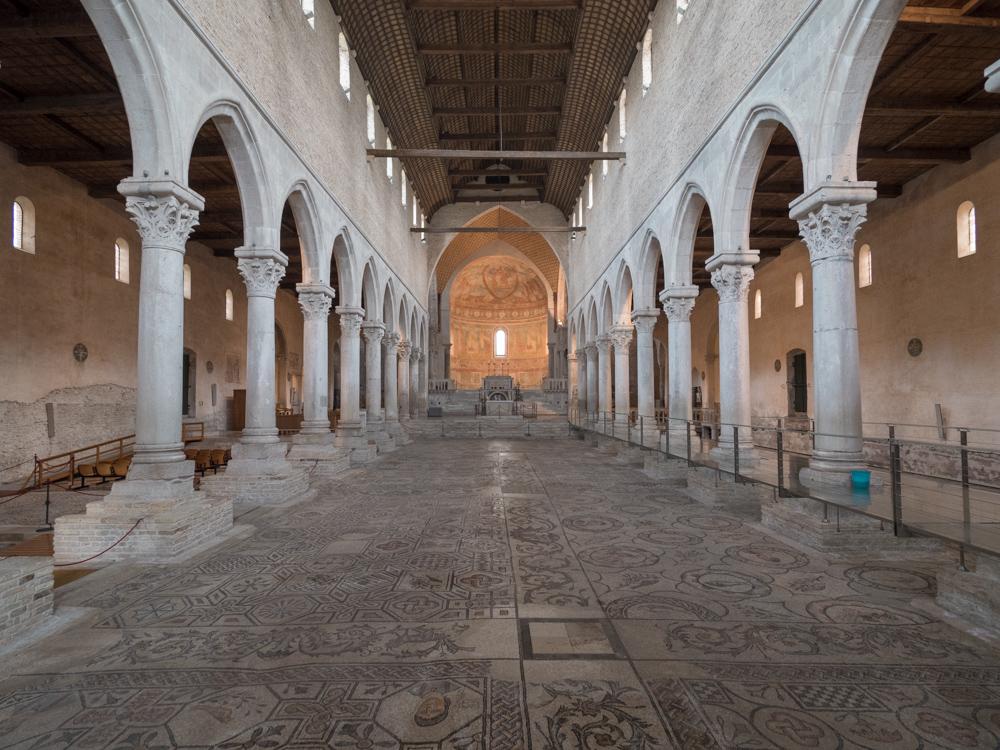Die Mosaikböden stammen ca. aus dem 3. Jh