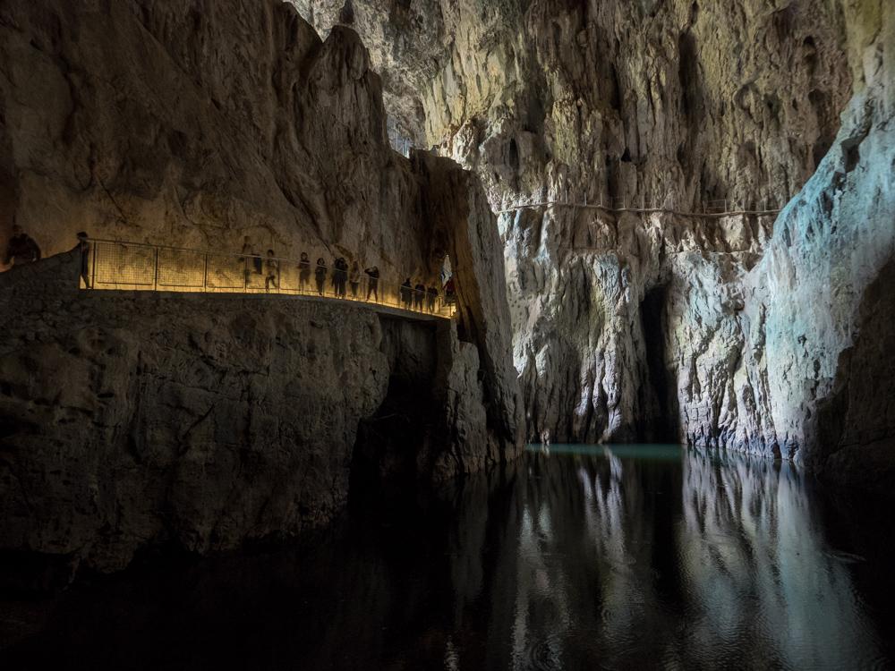 Tour durch die Höhlen von Škocjan