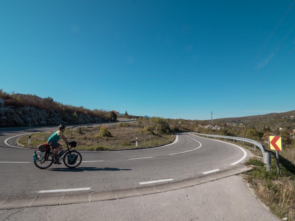 Die Strasse nach Mostar führt uns durch schöne Gegenden