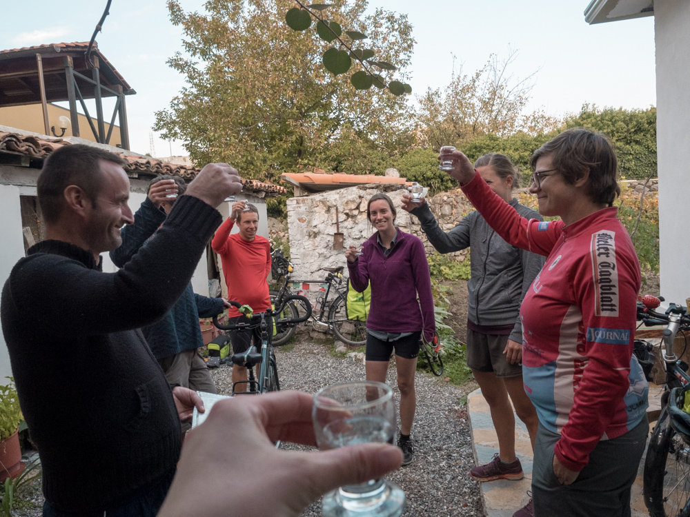 Willkommens-Raki in Shkodra