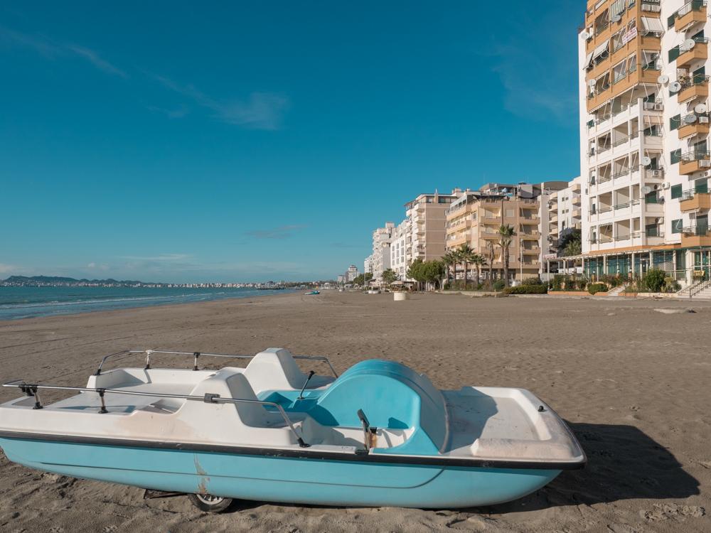 Hotelanlagen am Strand in der Nähe von Durres