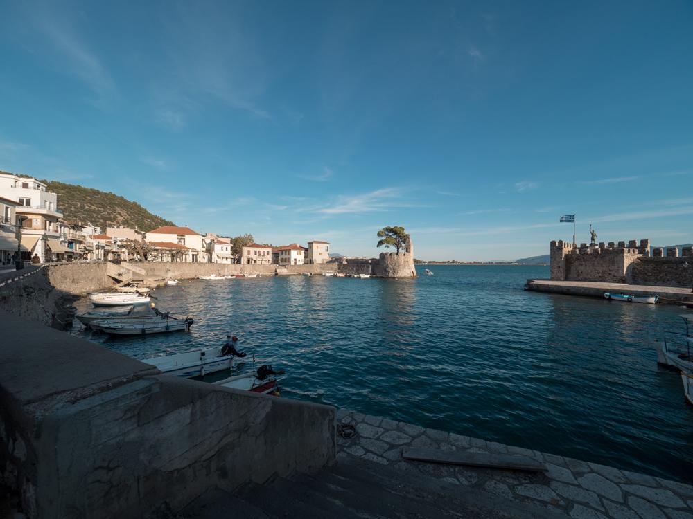 Der Hafen von Nafpaktos