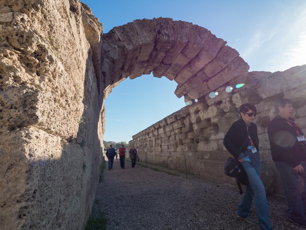 Schön erhaltener Torbogen im antiken Olympia