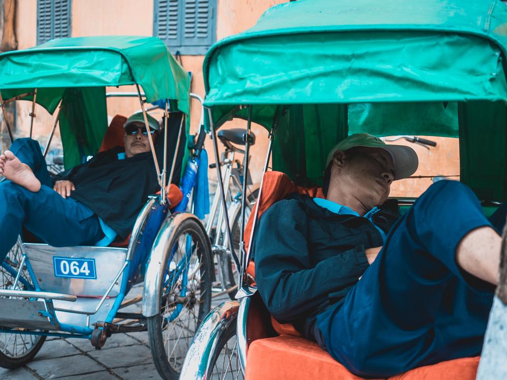 Mittagspause bei den Cyclo Fahrer