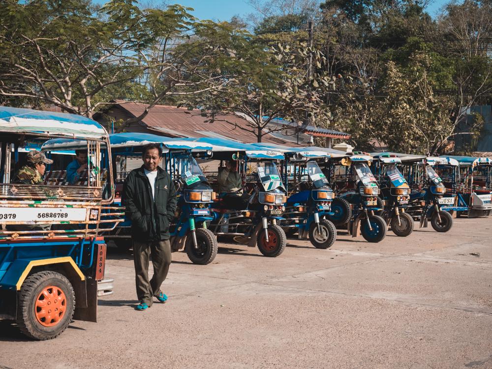 Tuktuk Park am Busbahnhof Thakhek