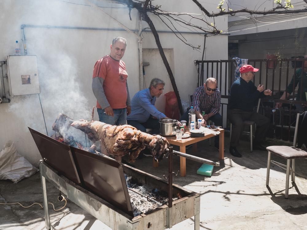 Das traditionelle Osterlamm ist schon bald fertig und wir sind eingeladen