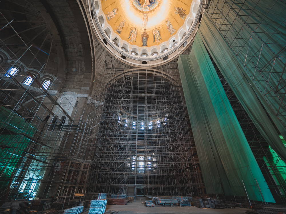 Die heilige Sava: Eine der grössten orthodoxen Kirchen der Welt