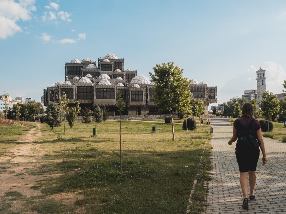 Abstecher nach Kosovo. Die hässlichste Bibliothek der Welt in Pristina