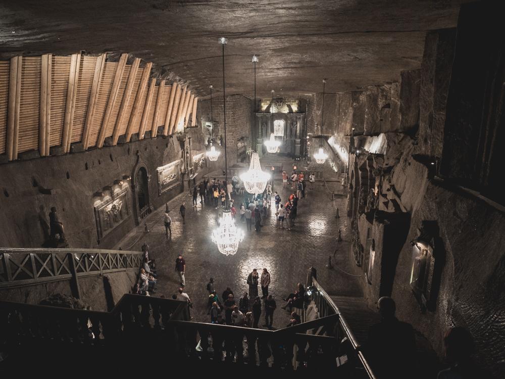 Ausflug in die Salzmine Wieliczka. Eine der Hallen dient natürlich als Kirche