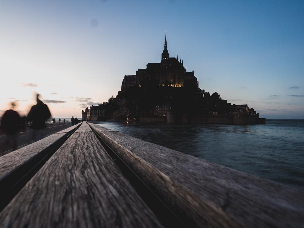 Mont-Saint Michel bei Flut (13 Meter)