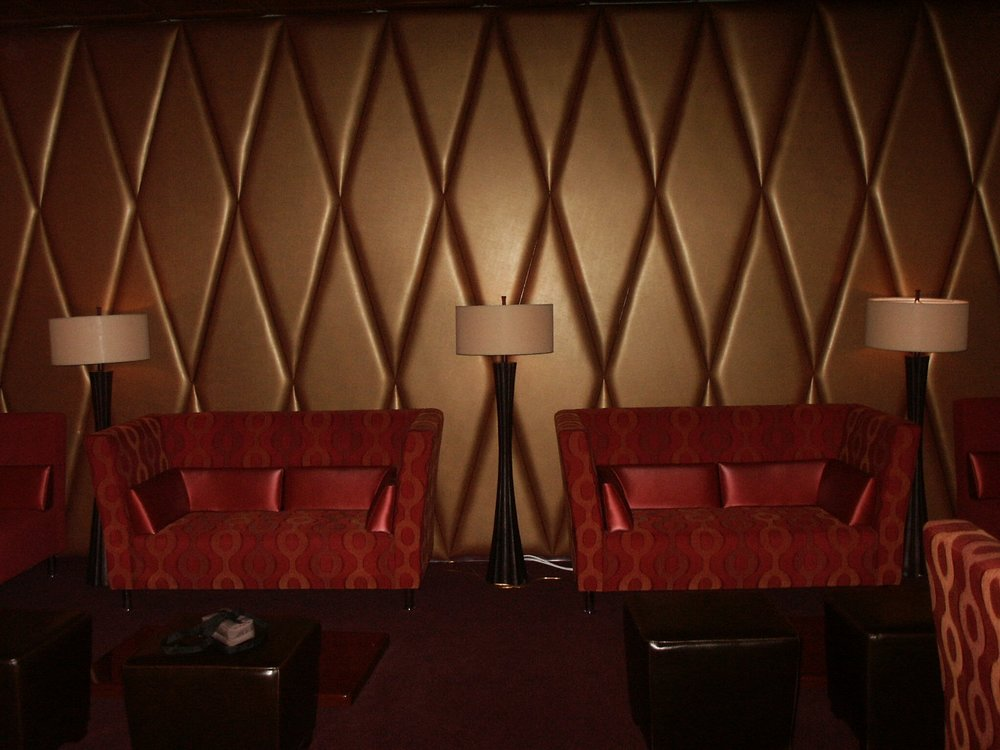 WallPanels_BarDie_BLSeating (5).jpg