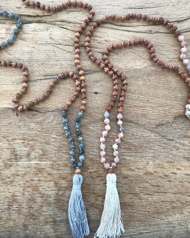 Still searching for last minute holiday gifts? 🎄 A mala is a perfect meaningful gift for anyone in your life! 📿 Shoot me a message to see what's available ✨  #saltandsouljewelry #mala #yogi #holidayseason