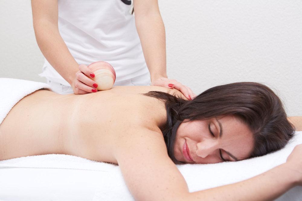21_Lavamuschel_Massage.jpg