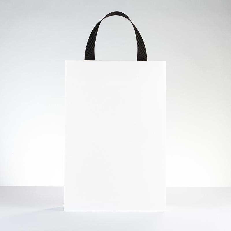 9.-Helmut-Retail2.jpg