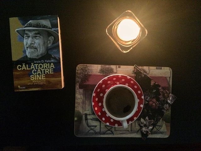 Last holidays morning: good book, good coffee and hygge on a table #winterholiday #booklover #bookstagram #blackcoffee #hygge #candlelight