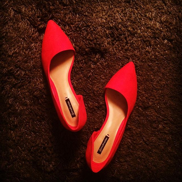 Summer, I'm ready😍☀️👠 #stradivarius #saleseason #sales #redheels #readmyheels #blockheel #shapes