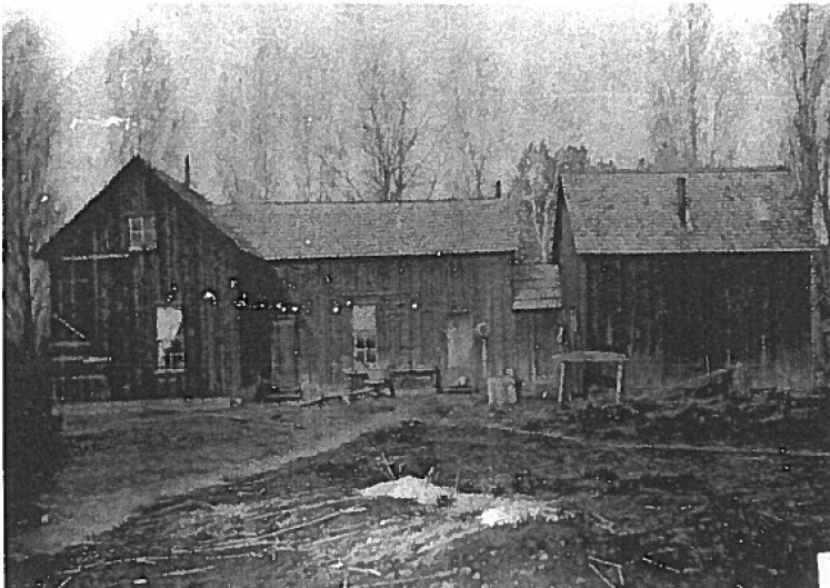 Tetherow House East Facade circa 1915.  Photo courtesy of Deschutes County Historical Society.