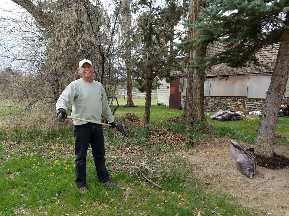 Dave Shirley, descendant of the Tetherow family, volunteering at the homestead.